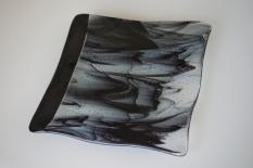 Black wavy plate