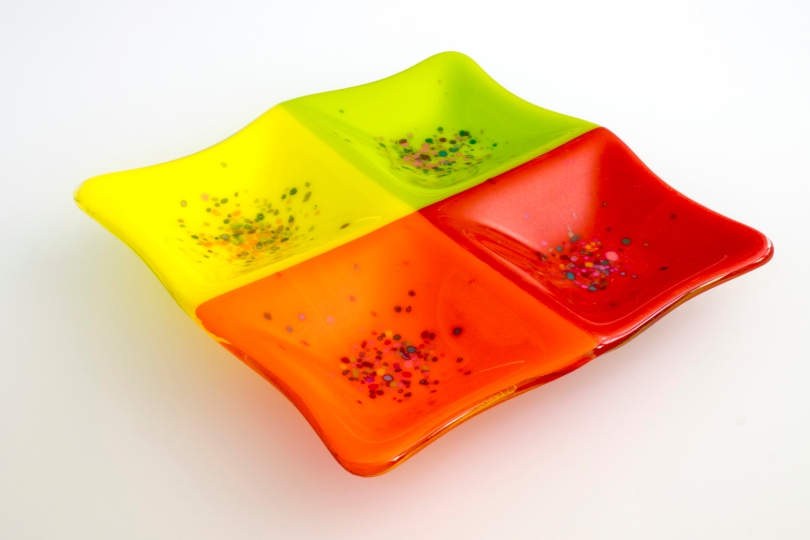 "7x7"" 4-square dish in summer colors"