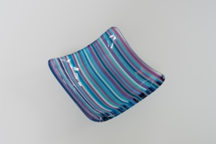 "4"" dish in blue and purple fine lines"