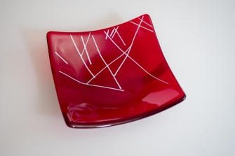 7x7 candy bowl of transparent red with fine white lines