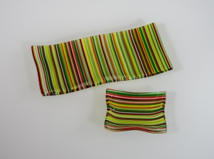"""3x4"""" and 4x9"""" dishes of 2mm lines of red and green"""